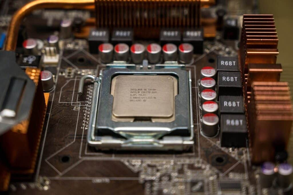 How Many Cores Do You Need for Streaming